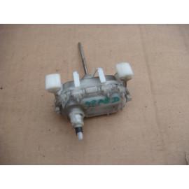 Актуатор (привод) замка багажника AUDI A8 (D2) 1994-2003
